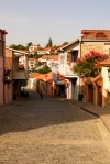 Cobbled street and traditional houses in the town centre - Sighnaghi, Georgia (4)