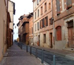 Empty street with stone houses - Albi, France (9)