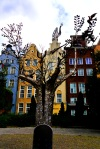 Metal tree and colourful façades along Targ Węglowy - Gdansk, Poland (18)