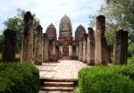 Wat Si Sawei, with three Khmer prangs - Sukhothai Historical Park, Thailand (9)