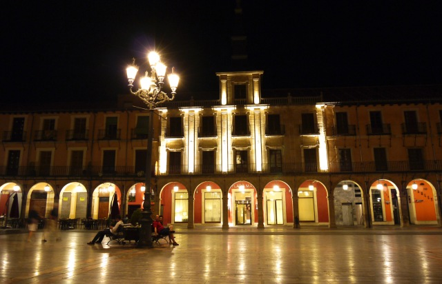 The Illuminated façades of Main square at night - Leon, Spain (12)