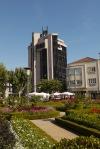 Garden of Santa Barbara and vertical office block - Braga, Portugal (36)
