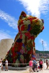 Close up of Puppy (1992) by Jeff Koons outside the Guggenheim Museum, taken on España Principes Zubia - Bilbao, Spain (72)