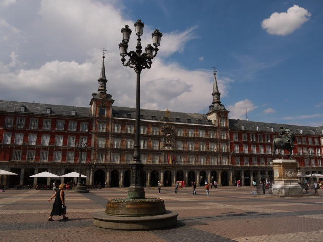 travel guides spain tips madrid