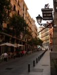 View along the pedestrianised Calle Cava de San Miguel - Madrid, Spain (25)