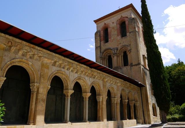 Segovia Free Walking Tour + Sightseeing Guide - Hitch ...
