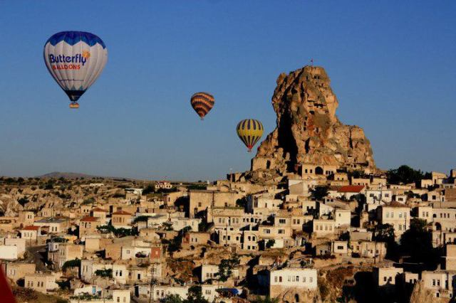 hot air balloon in Cappadocia, Turkey - by Julie Yamaner, Travel Photography Competition