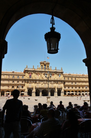 View of Main square and Salamanca Town Hall through a restaurant arch - Salamanca, Spain (81)