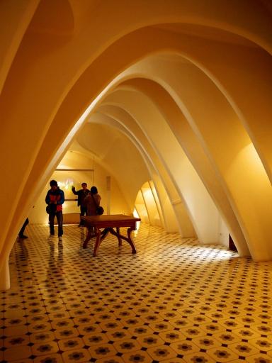 Casa Batlló, Barcelona, Spain  (18) - the loft. Antoni Gaudí. Room with arches