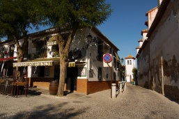 Staying in Granada: Useful tips & links