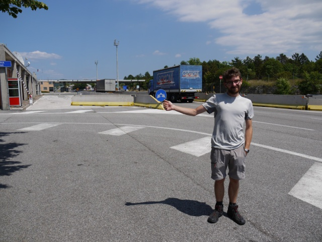 Hitch-hiking on the Italy-Slovinia border near Trieste