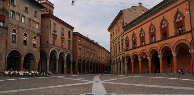 Arch alleys in Bologna, Italy