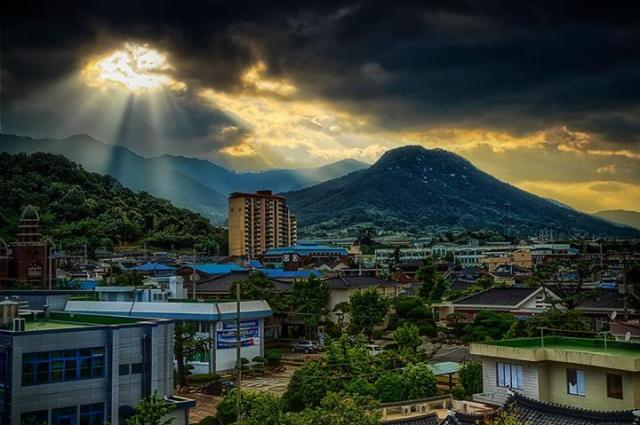 Zac Cady - Sunset after a storm in Gurye, South Korea