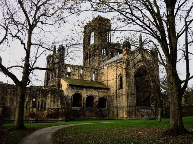 Paul Moore - The ruins of Kirkstall Abbey in Leeds, England