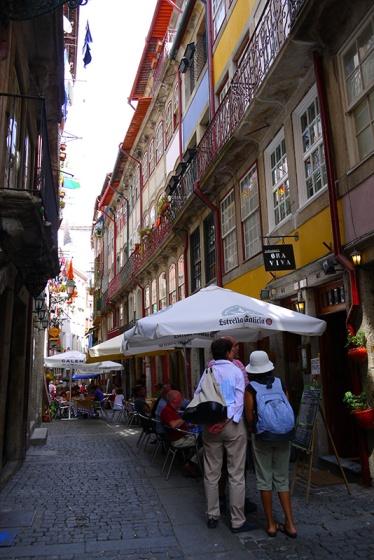 Porto, Portugal (32) - Rua Fonte Taurina - Popular restaurant street