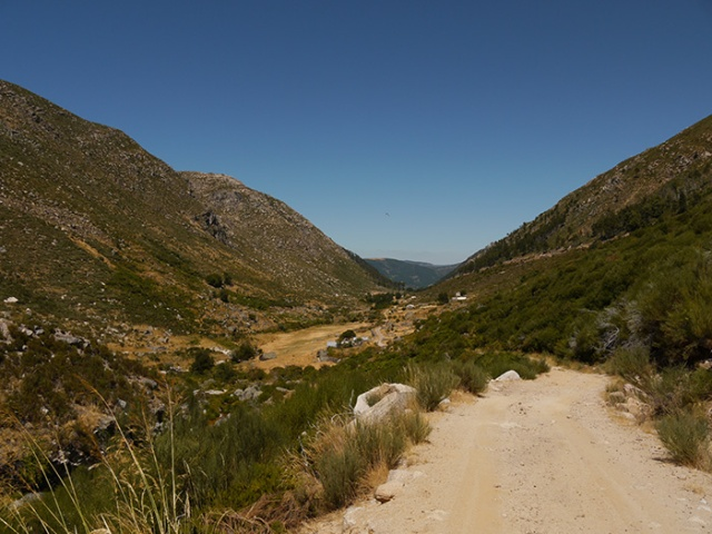 Serra de Estrella, Portugal (13) - hiking on a hot day